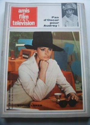 Vintage Magazine 1965 Sophia Loren On Cover