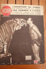 52 Vintage V Magazine Pin-Up Gilbert Houcke Circus